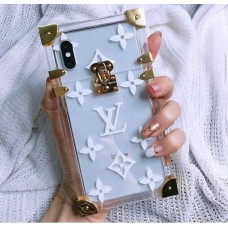 قاب Louis vuitton  لویی ویتون صندوقی بی رنگ Apple iphone 7-8-se2020-7p-8p-x-xs-xsmax-11-11pro-11promax-12-12pro-12promax